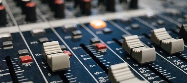 How To Amplify Electronic Drums - Amps and PA System Guide
